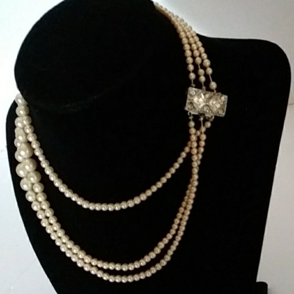 471bfbb0a0f29 Vintage 3 Strand Faux Pearl Necklace